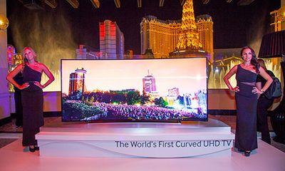 TV màn hình cong 105 inch của Samsung có giá lên tới 2,5 tỉ đồng