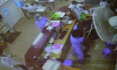 CLIP SỐC: Người nhà bệnh nhân ném, vác ghế tấn công bác sĩ BV
