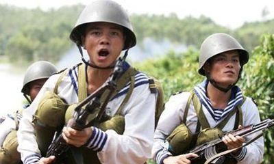 Hình ảnh lính Hải quân luyện tập hiệp đồng chiến đấu