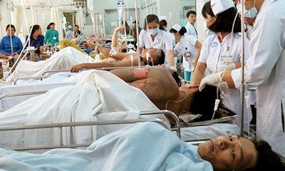 Hóa chất phát nổ, 5 nạn nhân có nguy cơ mù vĩnh viễn
