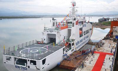 Kiểm ngư Việt Nam tiếp nhận tàu có sân đỗ trực thăng