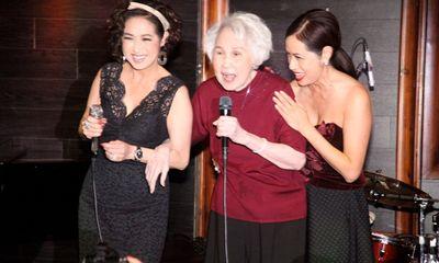 Danh ca Thái Thanh hát mừng tuổi 80 cùng con gái Ý Lan