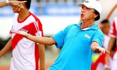 HLV Đồng Tháp chỉ đạo học trò đá gãy chân đối thủ
