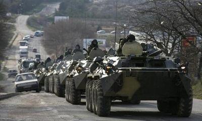 """Đoàn xe quân sự Nga vào Ukraina: """"Nhìn gà hóa cuốc""""?"""