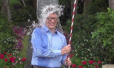 CEO Facebook, Bill Gates tham gia