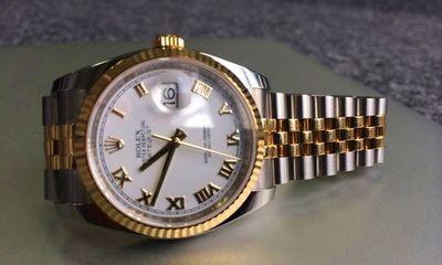 Trên tay đồng hồ Rolex Datejust mạ vàng 18k giá 270 triệu đồng