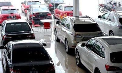 """Thị trường ô tô sôi động trong tháng """"cô hồn"""""""