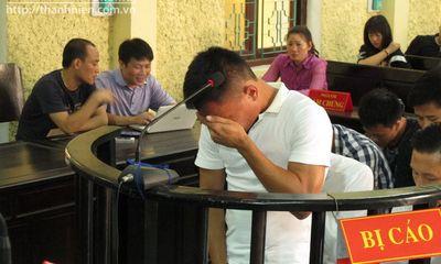 Cầu thủ V.Ninh Bình bán độ kiếm tiền xây mộ cho anh trai khóc