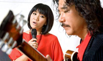 Vợ chồng Cẩm Vân - Khắc Triệu làm liveshow kỷ niệm 34 năm ca hát