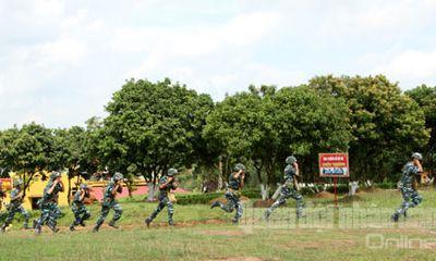 Cận cảnh bộ đội Phòng không Việt Nam đánh máy bay tầm thấp