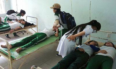 Đang học thể dục, 9 nữ sinh viên ngất xỉu nhập viện