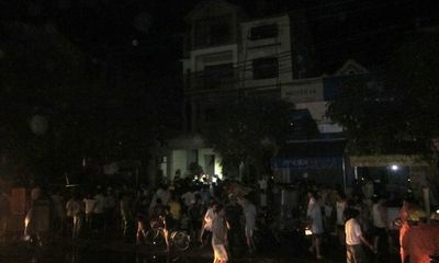 Clip: Cháy lớn tại cửa hàng điện tử điện lạnh ở Hà Tĩnh