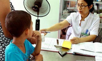 Hơn 12.500 trẻ em có nguy cơ bị nhiễm virus HIV