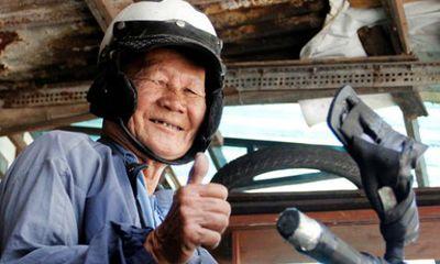 Cụ ông 85 tuổi ở Sài Gòn phượt bằng xe máy khắp 3 miền