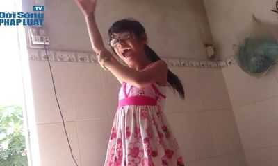 Rơi nước mắt cô bé câm ước mơ thành ca sĩ