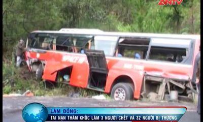 Lâm Đồng: Tai nạn thảm khốc, xe khách đâm vách núi