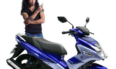 """Tư vấn - Yamaha Nouvo SX 2015 giảm giá để """" đánh bật"""" Honda Air Blade?"""