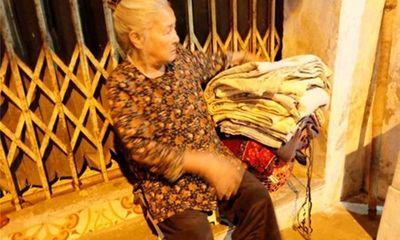 Bà lão 40 năm ăn, ngủ vỉa hè Hà Nội và mơ ước chết có người chôn