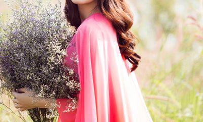 Hoa hậu Thu Thảo đẹp tinh khôi, thả hồn vào thiên nhiên thơ mộng