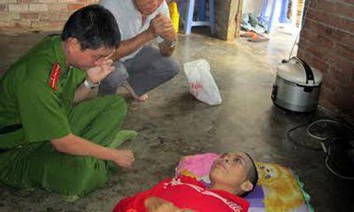 Mẹ của hai bé nghi bị tiêm thuốc độc đang nguy kịch