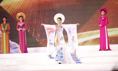 Hoa hậu Việt Nam 2014: Phần thi áo dài của các thí sinh
