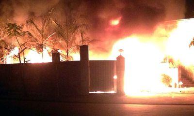 Miền Bắc - Hà Nội: Khu công nghiệp bốc cháy trong đêm