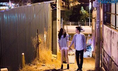 Lê Khánh và chồng sắp cưới lãng mạn dạo phố đêm Đà Lạt