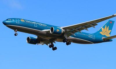 Máy bay Vietnam Airlines hoãn cất cánh vì hành khách bị co giật