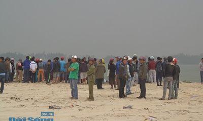 Hai ngư dân đi đánh cá gặp nạn, một người mất tích trên biển