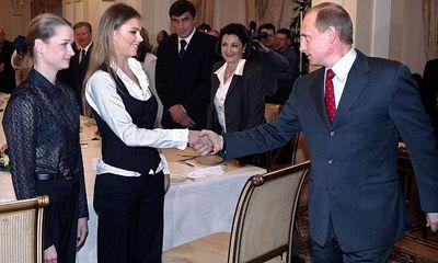 Tổng thống Nga Putin tiết lộ chuyện tình cảm trong cuộc họp báo