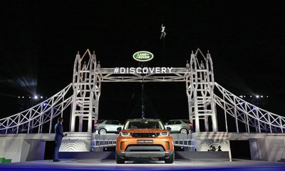 Land Rover Discovery ra mắt tại triển lãm ô tô Paris 2016