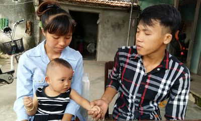 Bố mẹ nghèo hy vọng phép màu đến với con mắc bệnh tim bẩm sinh