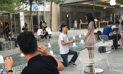 Cầu hôn bằng iPhone 7 hụt, chàng trai vẫn thành công