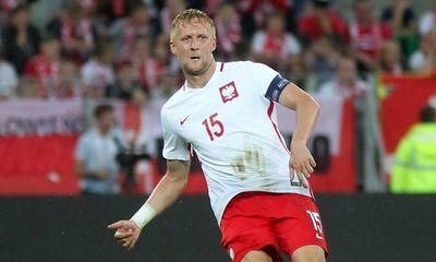 Cầu thủ Ba Lan vẽ nên kiệt tác đốt lưới nhà trước Đan Mạch