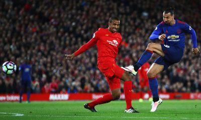 Ibrahimovic bỏ lỡ cơ hội khó hiểu ở trận Liverpool vs MU