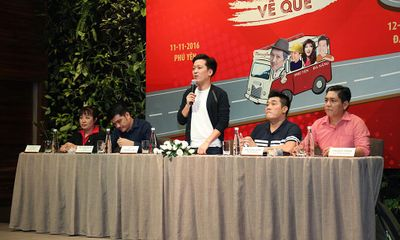 """Trường Giang tri ân khán giả miền Trung với liveshow """"Chàng hề xứ Quảng 2"""
