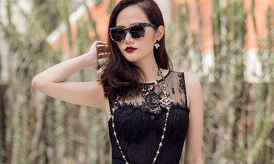Hoa hậu Diệu Linh diện đồ tự thiết kế sang chảnh xuống phố