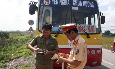 Hà Nội: CSGT xử lý hàng loạt xe buýt vi phạm luật giao thông