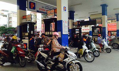 """Xăng dầu giảm 300 đồng/lít trong """"ngày vàng"""" cuối cùng của tháng 10"""