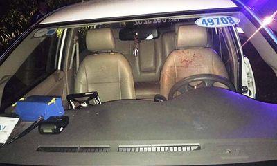 Truy tìm ba đối tượng nửa đêm dùng dao cướp xe taxi