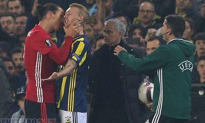 UEFA chính thức ra án phạt vụ gây rối của Ibra