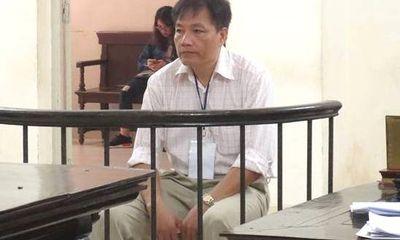 Người đàn ông đi tù vì cướp tiền, khống chế cựu kiểm sát viên