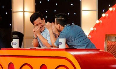 Thách thức danh hài tập 2: Trấn Thành tự tin hát bài hit của Hari Won