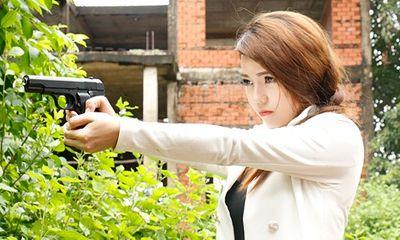 Kim Ny Ngọc bị Lâm Minh Thắng chĩa súng vào đầu