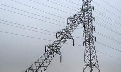 Hải Phòng: Cột điện cao thế đổ nghiêng, khẩn cấp cắt điện