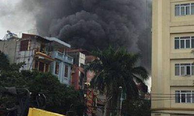 Hà Nội: Cháy nhà buôn hóa chất ở Trần Khát Chân
