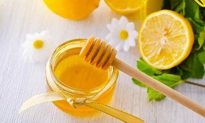Làm đẹp da mặt sau sinh bằng mật ong ngay tại nhà