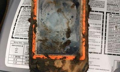 """iPhone 4 chìm 1 năm dưới đáy hồ vẫn """"chạy ngon lành"""""""