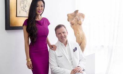 Chồng tự tay phẫu thuật thẩm mỹ cho vợ đẹp hơn cả người mẫu