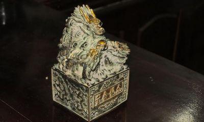 Vật thể lạ nghi ấn tín cổ được bàn giao cho Bảo tàng Nghệ An
